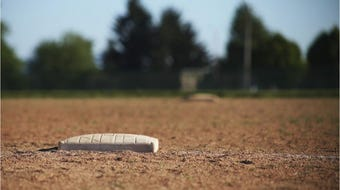 Watch highlights from the Golden West-Redwood high school softball game on March 27, 2019.
