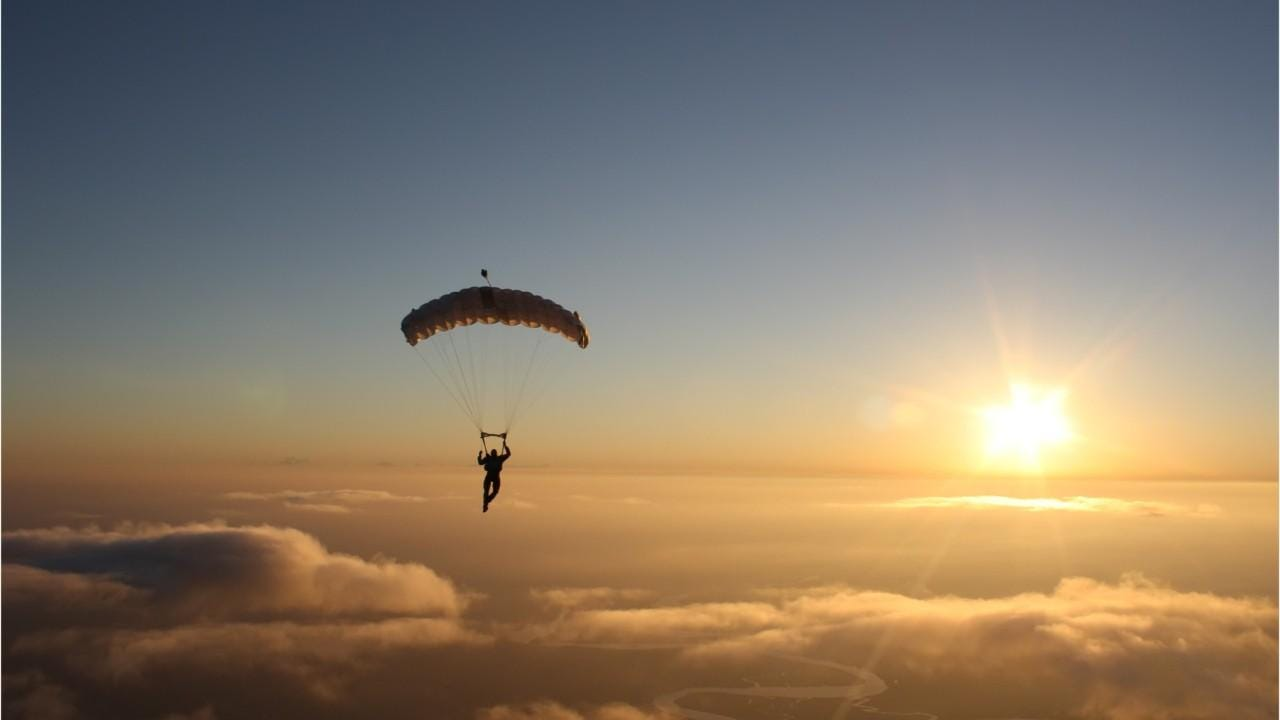Skydiving safety tips