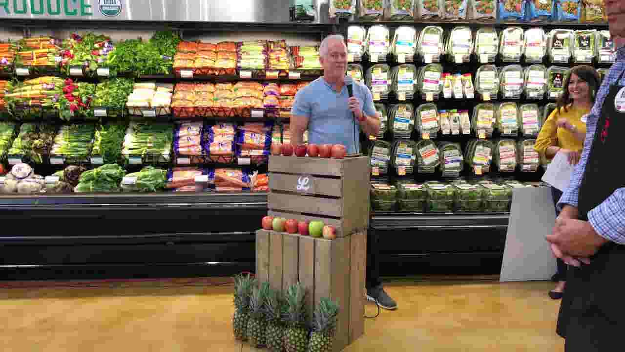 Video: Lucky's Market opens new location in North Naples