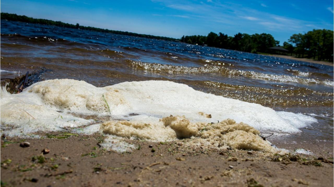Michigan teens to paddleboard across Straits of Mackinac