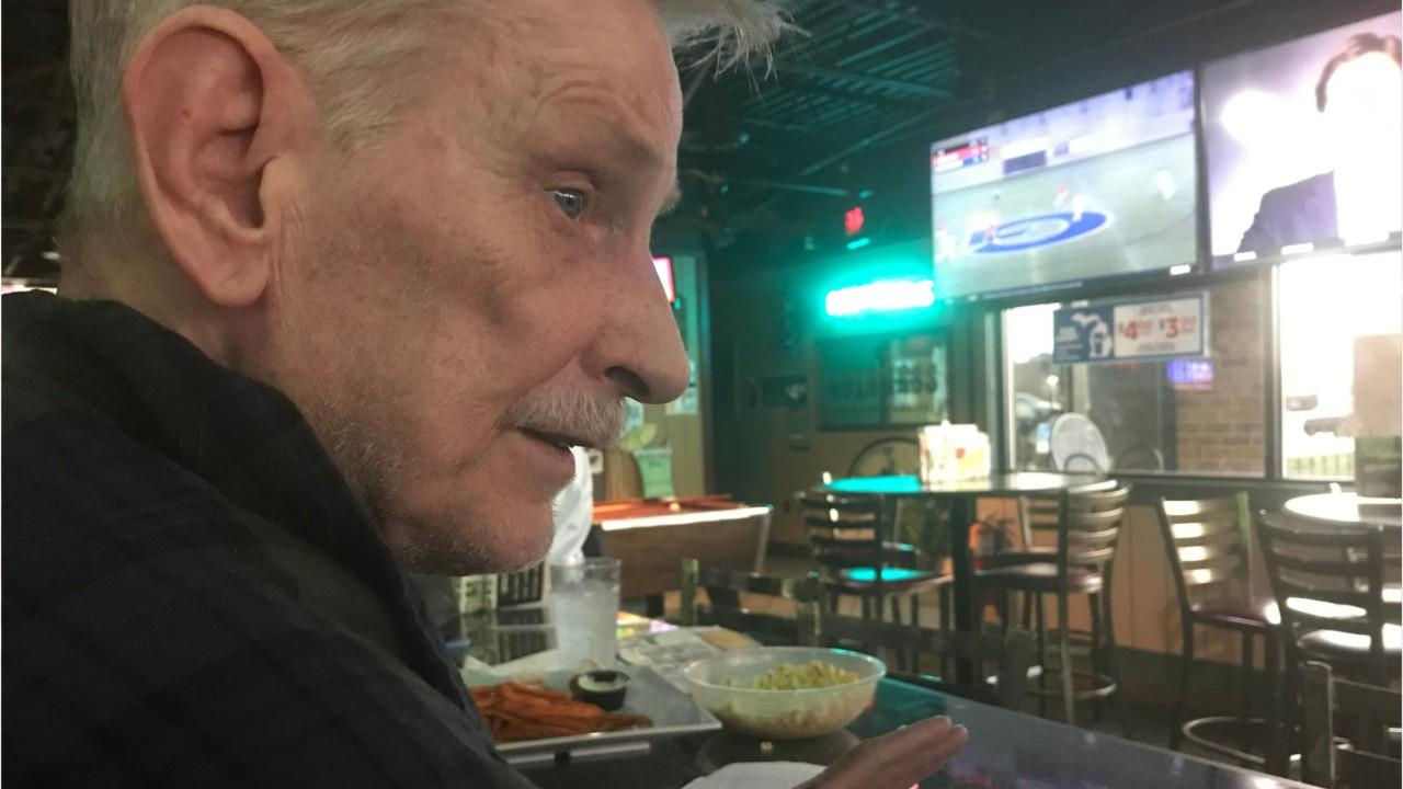 Putnam: Lansing man sings his karaoke heart out to fight loneliness, cancer, set record