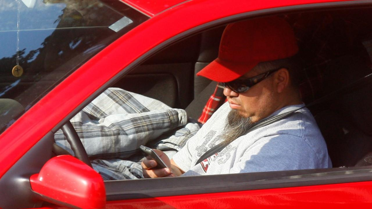 Texting While Driving >> It S Not Just The Cops Who Ll Get You For Texting While Driving