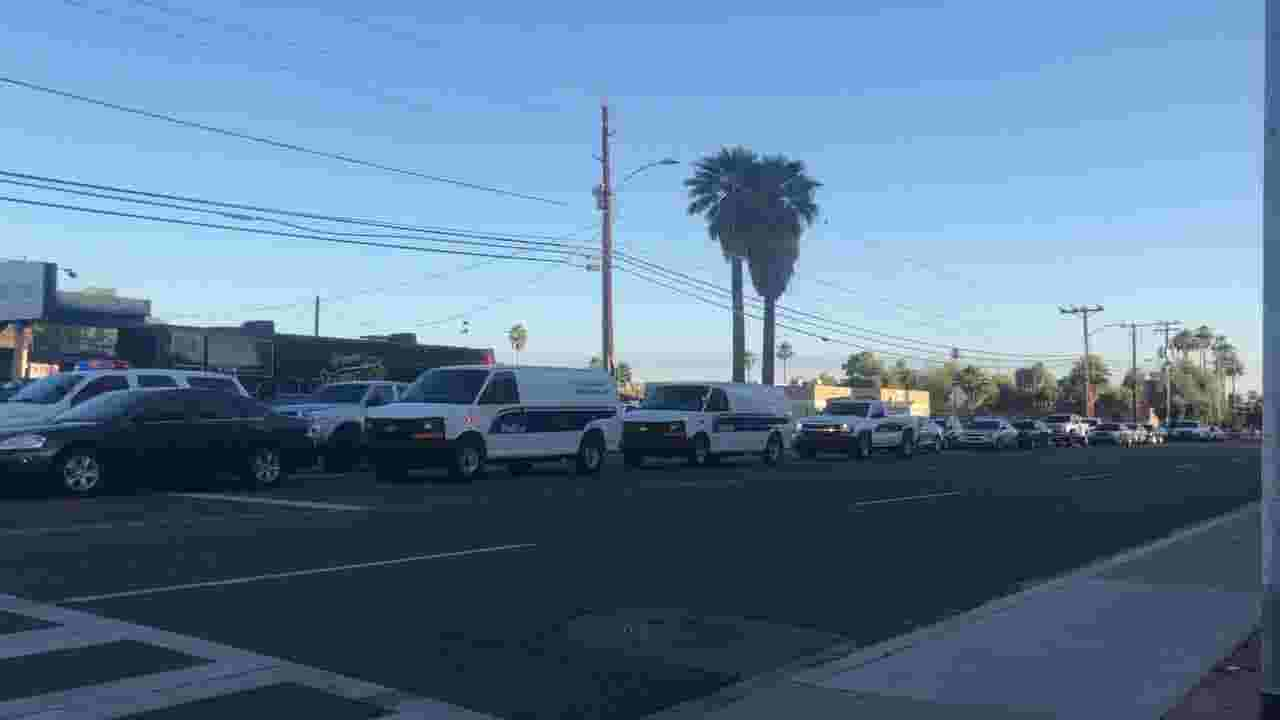 Man fatally shot by Phoenix police officers