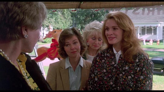'Steel Magnolias' is 30! Go inside Julia Roberts' lavish, pink-drenched movie wedding