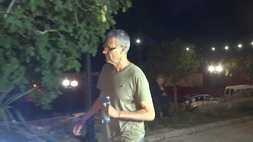 Uri Geller shows off giant spoon