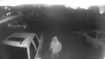 A resident in southwest Sioux Falls recorded video of a personattempting to break into multiple vehicles outside his house Thursday morning.