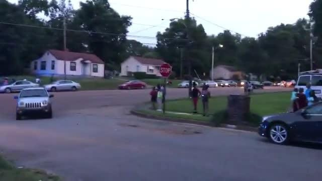 Raw video: Crowd, police gather on Kingsley Avenue after officer-involved  shooting