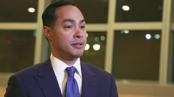 Democratic presidential candidate Julian Castro talks Arizona issues in an interview with The Gaggle's Yvonne Wingett Sanchez and Ronald J. Hansen.