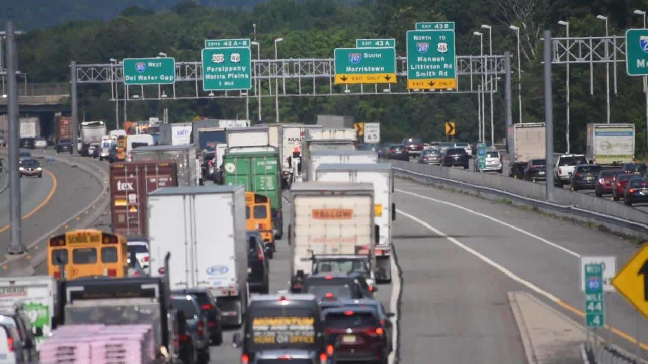 Car crash backs up traffic on Route 80 in Parsippany