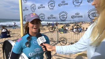 Melbourne Beach native Caroline Marks, 17, defeats 7-time world champion surfer Stephanie Gilmore in South Africa