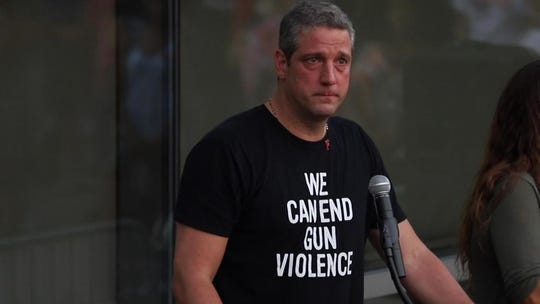2020 candidate Tim Ryan leads gun control caravan to Mitch McConnell