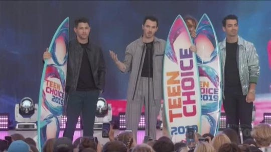 'I started to hate myself': Jonas Brothers reveal early bullying at Teen Choice Awards
