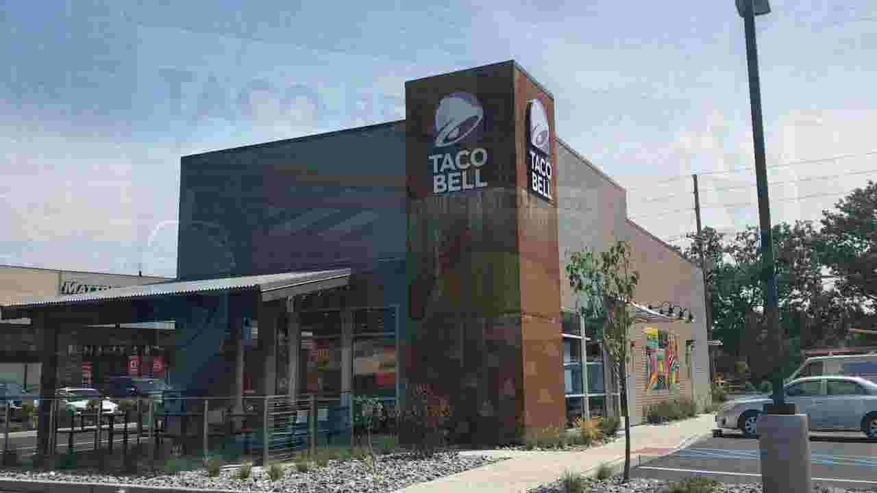 Taco Bell close to opening in Bergenfield shopping center