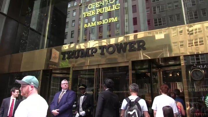 Neoyorquinos piden frente a la Torre Trump crear la avenida Barack Obama