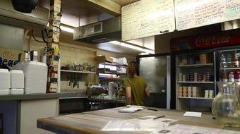 Burger prices have shot up 54%. Yet entrepreneur Tim Bednarski understands -- Memphis still eats out.