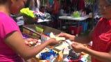 Margarita y Griselda padecen insuficiencia renal. Para reunir los 8.000 que se les exige para su trasplante se han puesto a vender tamales en Chicago