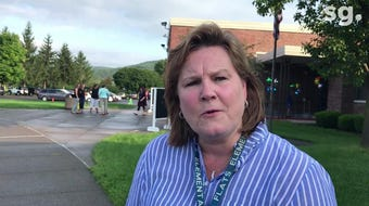 Big Flats Elementary School Principal Elizabeth Scaptura talks about relieving first day anxiety for new students and parents.