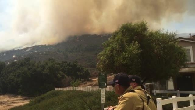 Tenaja Fire near Murrieta, California, burns 2,000 acres