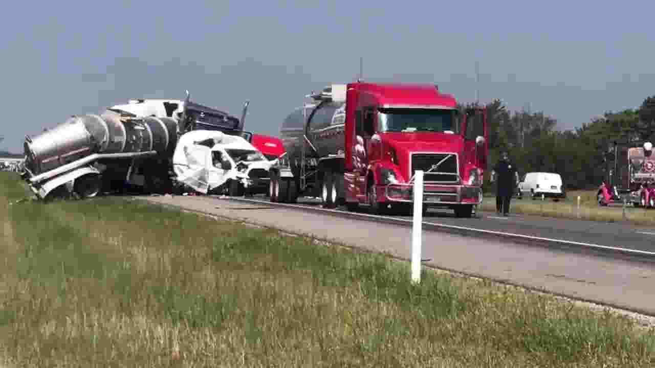 Fatal crash closes southbound I-65, between Lafayette and Frankfort exits