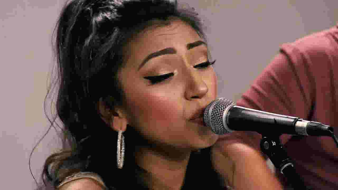 Bringing Latin sound to radio-ready country songs, Wisconsin's Alyssia Dominguez demands Nashville notice
