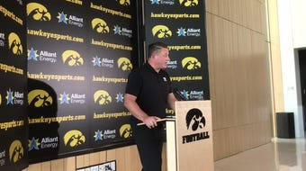 Iowa offensive coordinator Brian Ferentz explains personnel used on third-and-1 plays; doesn't want to discuss Oliver Martin's snap count